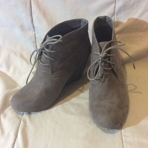 Shoes - Bella Marie Grey Ankle Booties Size 10